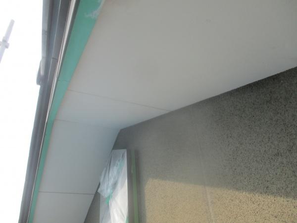 軒天塗装用の養生をしました