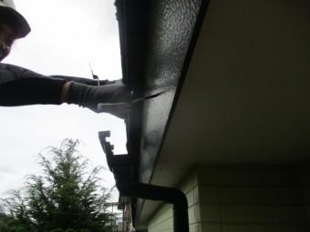 雨樋の撤去中です