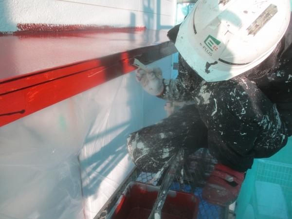 霧よけ板金の錆止めと塗装中です