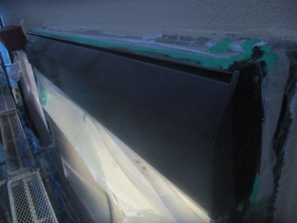シャッターボックスの中塗りが終了しました