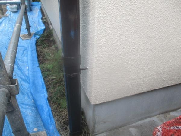 竪樋の補修が終了しました