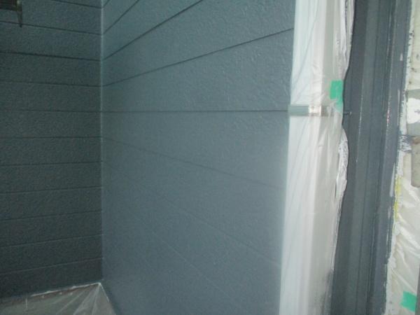 窯業系外壁面の中塗りが終了しました