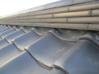 大屋根の漆喰工事が終了しました