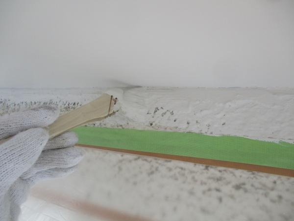 外壁塗装の中塗り中です