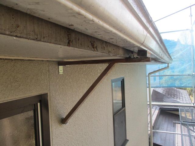 軒樋の補修箇所です