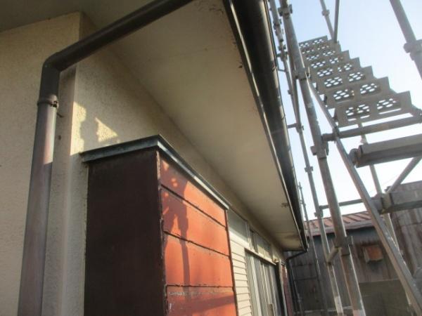 施工前の1階軒天の状態です