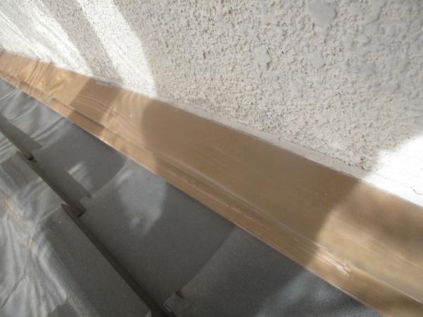 洗浄前の壁水切りの状態です