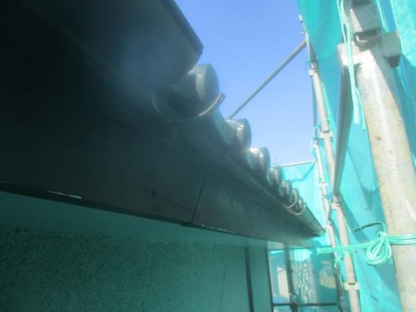 補修前の雨樋の状態です