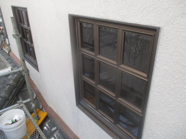 養生前の窓の状態です