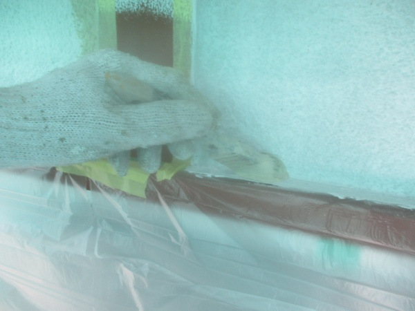 宇都宮市でアクリルシリコン塗料を使い木、鉄部塗装をしました。