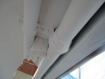 電気配線の塗装中です