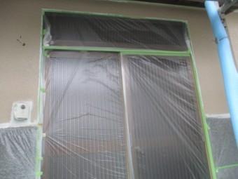 外壁の中塗りローラー塗装が終了しました