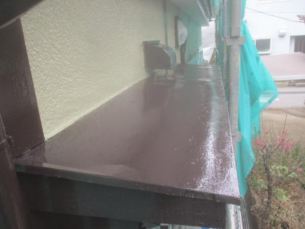 1階鉄部上塗り塗装終了です
