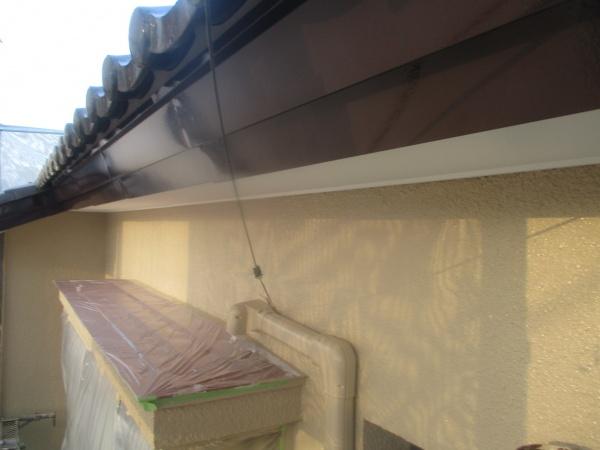 破風板金の上塗りが終了しました