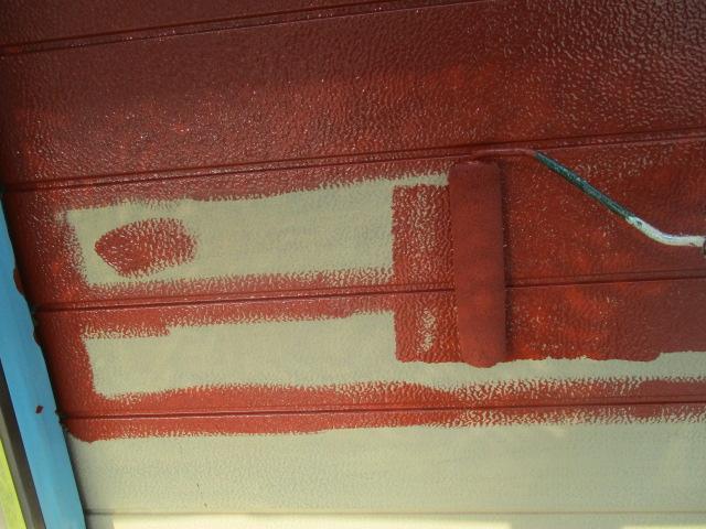 雨戸ローラー塗装中です
