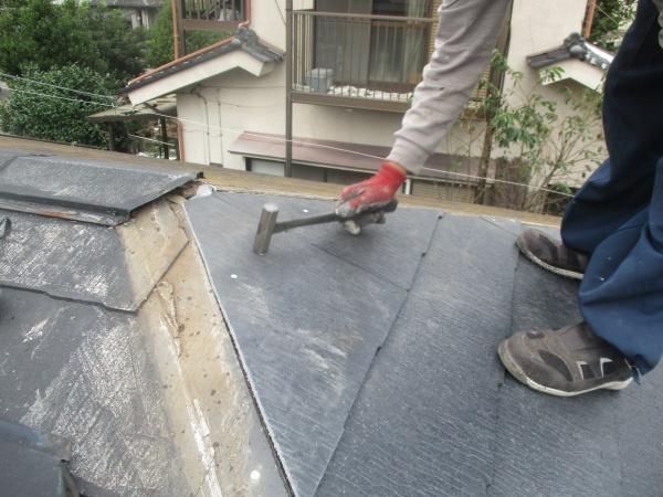 スレート屋根材の取り付けが終了しました