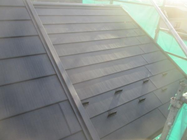 棟違い屋根の完工です