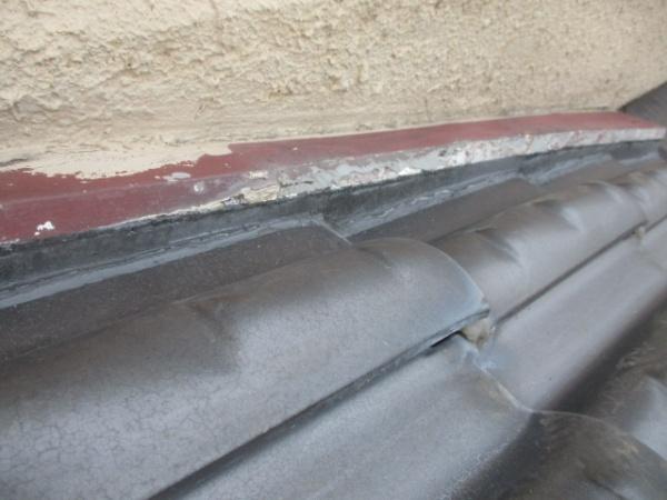 壁水切りからの雨侵入防止完了です