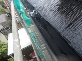 雨樋の水漏れ検査中です