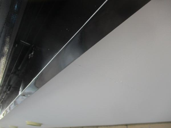 破風樋の2回目塗装が終了しました