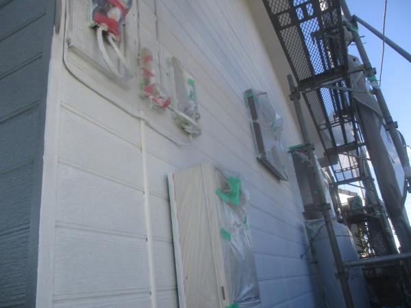 外壁下塗りが終了しました