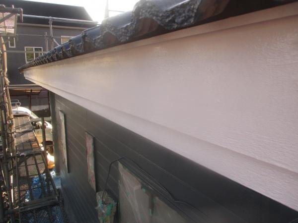 破風板の上塗りが終了しました