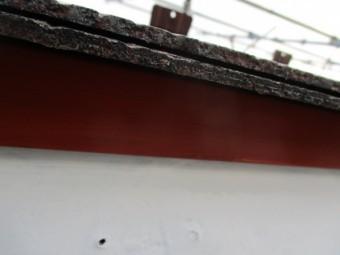 屋根水切りにさび止めを塗装しました