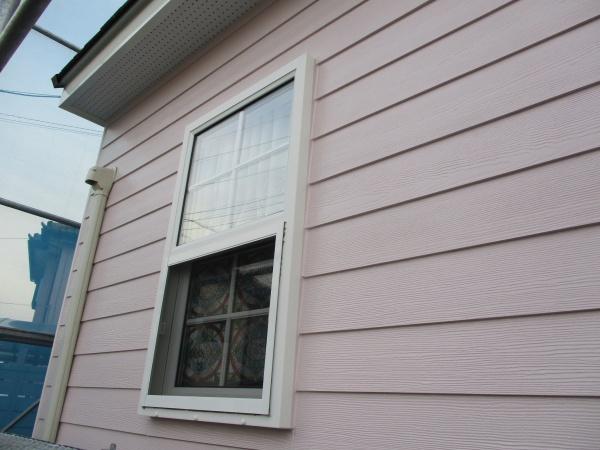 窓枠の仕上げ塗り終了です