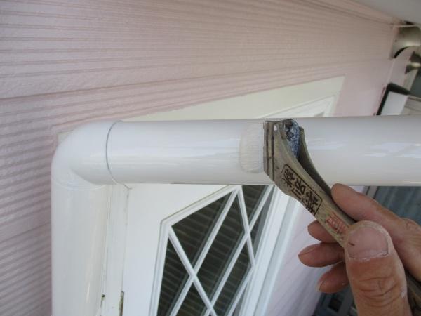 雨樋塗装中です