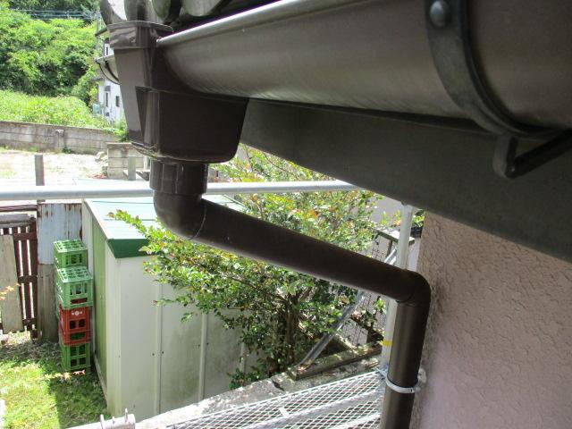 集水器と縦樋を繋ぎました