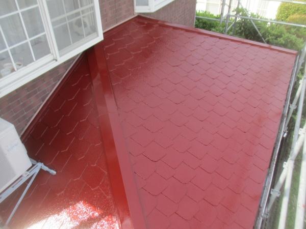 下屋根の塗装終了です