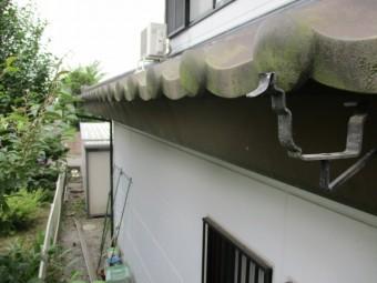 軒樋と軒樋金具を撤去しました