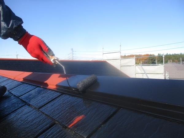 屋根板金部の中塗り中です