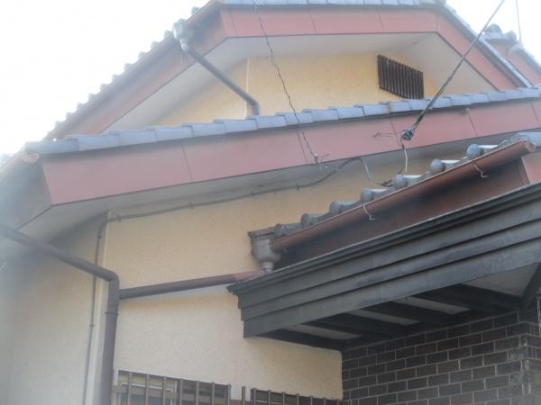 日光市でパナアイアンを使い板金製雨樋の交換工事をしました。