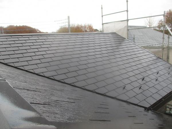 屋根の中塗りが終了しました