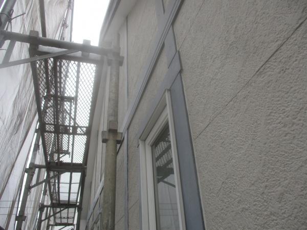2階リシン吹付外壁です