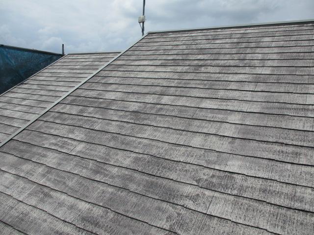 屋根全体の高圧洗浄後です