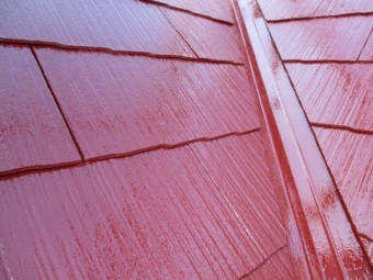 谷樋の中塗り塗装が終了しました