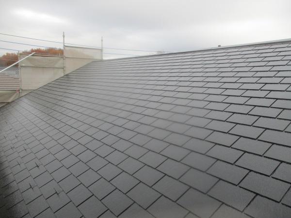 屋根の上塗り終了です