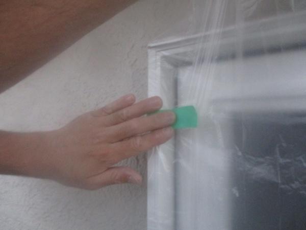 外壁塗装用の養生中です