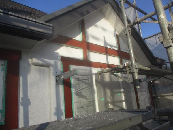 ALC吹付外壁の下塗りが終了しました