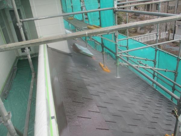 下屋根中塗り終了です