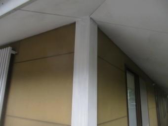 角柱カバーを塗装しました