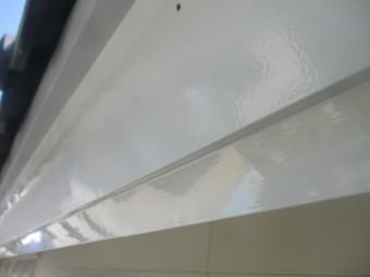 破風板金の中塗りが終了しました