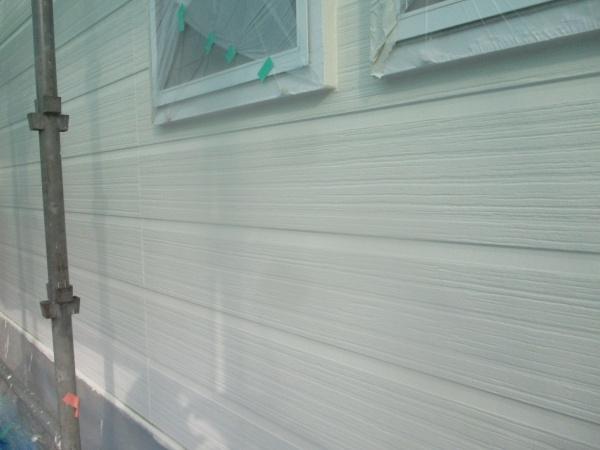 外壁南面の上塗りが終了しました