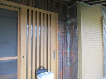 玄関周りの上塗りが終了しました