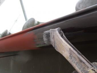 軒樋の中塗り塗装中です