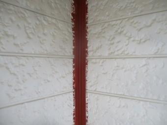 出隅、入隅キャップのサボ止め塗装が終了しました