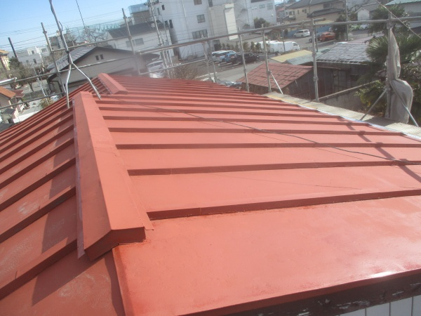 大屋根錆止め塗装が終了しました