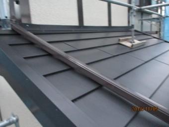 本日施工後の西面下屋根の状態です
